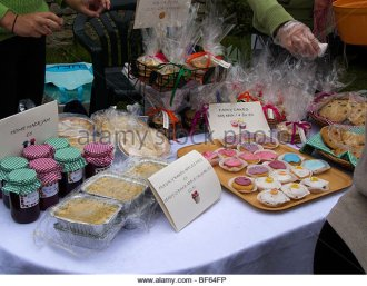 cake-stall-lacock-village-fair-bf64fp